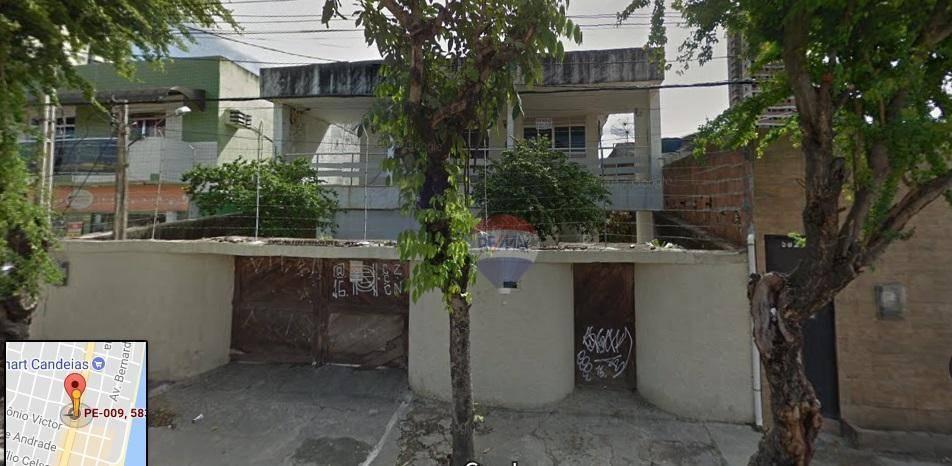 Casa na Avenida em Candeias