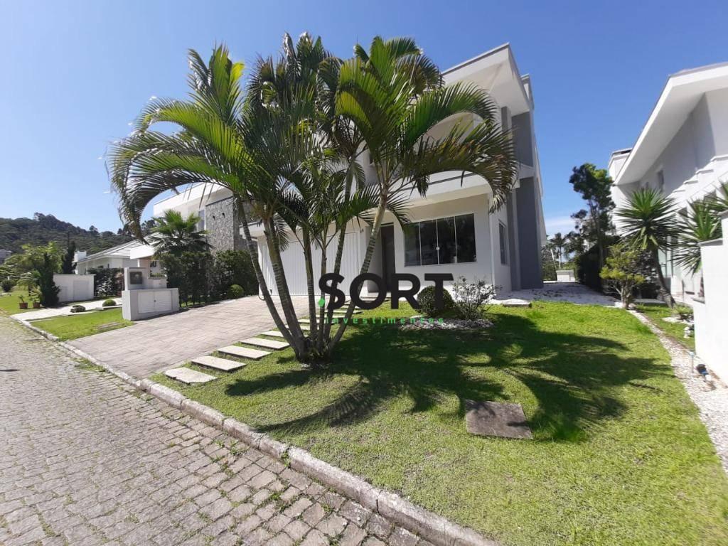 Condomínio Horizontal, 3 Suítes, 2 Vagas, Praia Brava, Itajaí.