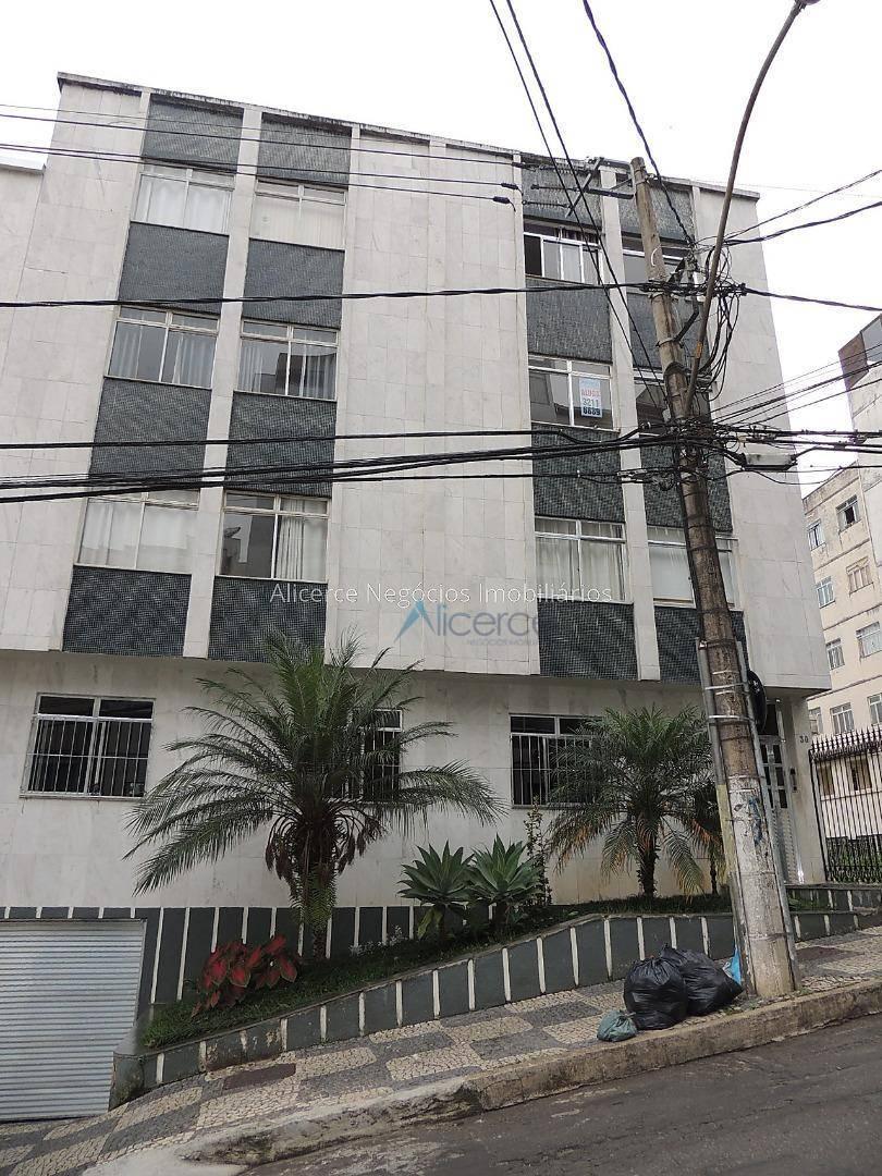Apartamento para alugar, 70 m² por R$ 900,00/mês - Vale do Ipê - Juiz de Fora/MG