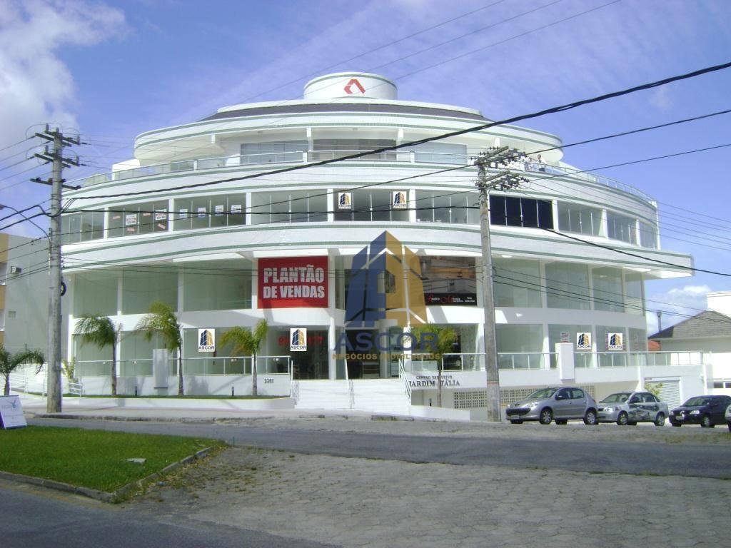 Excelente Loja c/ Mezanino no Córrego Grande.