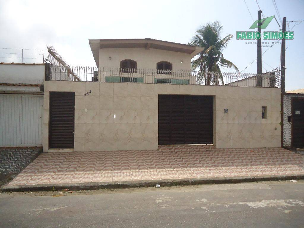 Sobrado 04 dormitórios, residencial para venda , Balneário Maracanã, Praia Grande.