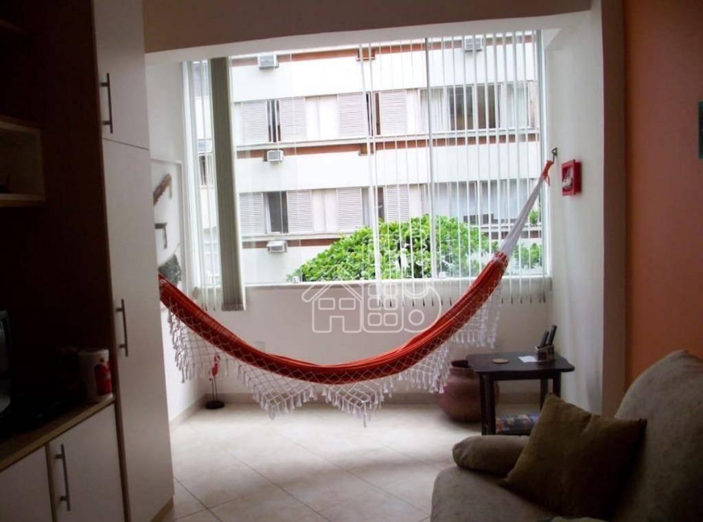 Apartamento com 2 dormitórios à venda, 60 m² por R$ 750.000,00 - Copacabana - Rio de Janeiro/RJ