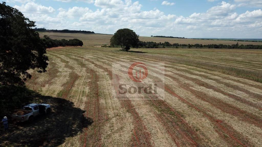 Fazenda à venda, 4400000 m² por R$ 15.000.000,00 - Zona Rural - Prata/MG