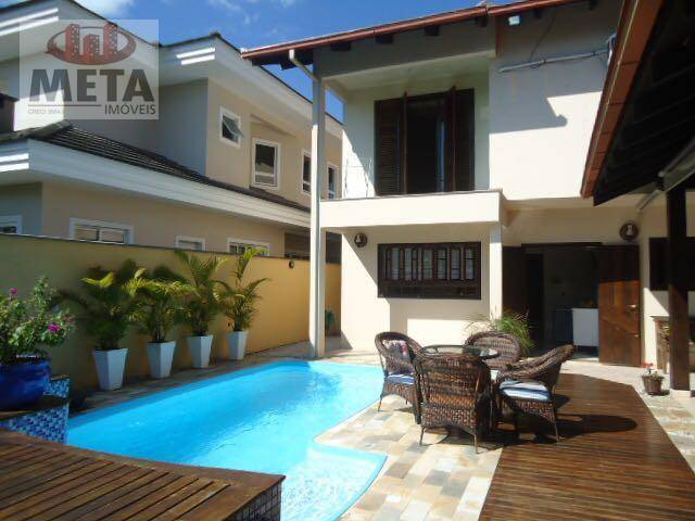 Casa com 3 Dormitórios à venda, 338 m² por R$ 890.000,00