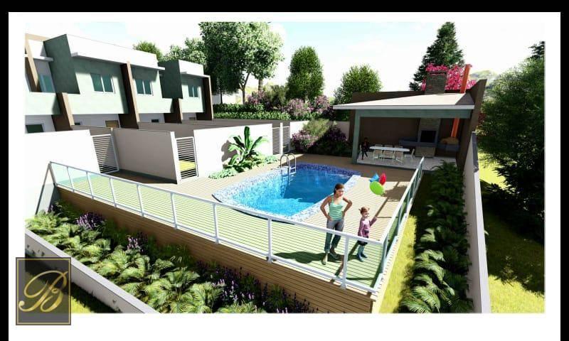 Sobrado com 3 dormitórios à venda, 102 m² por R$ 370.000,00 - Costa e Silva - Joinville/SC