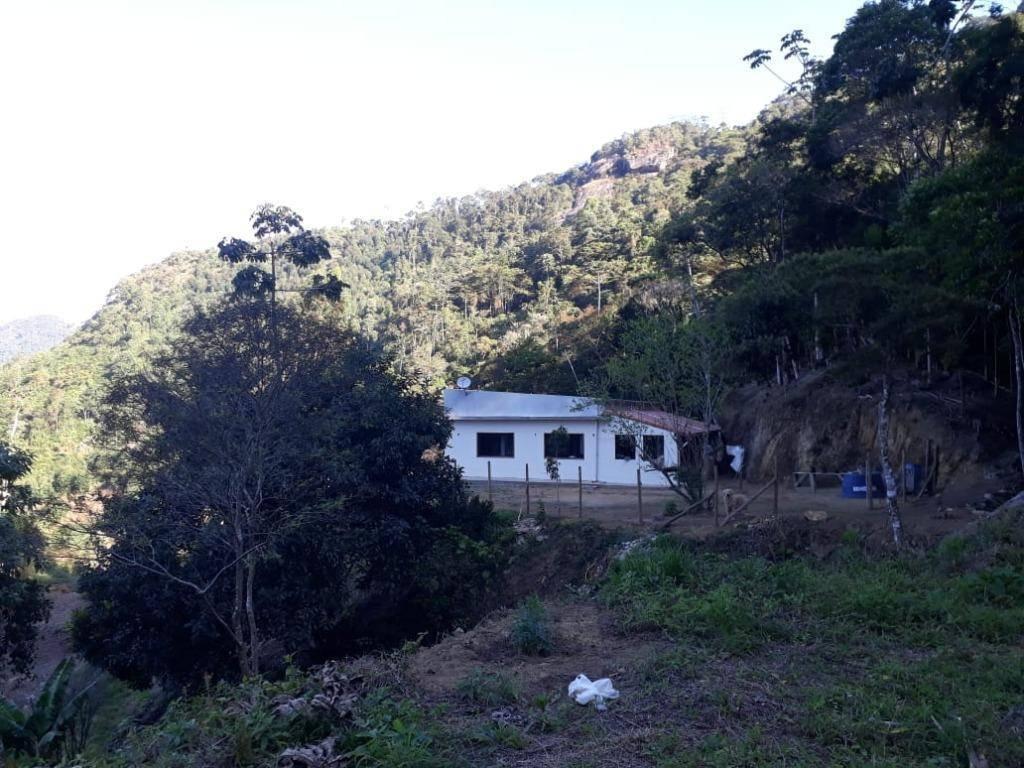 Sítio com 2 dormitórios à venda, 51177 m² por R$ 640.000 - Centro - Bom Jardim/RJ