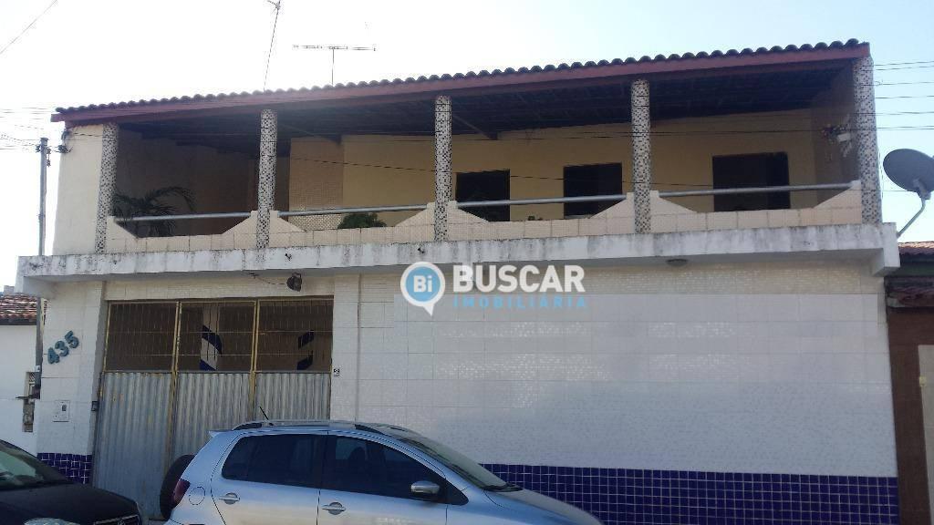 Sobrado com 3 dormitórios à venda, 300 m² por R$ 390.000 - Mangabeira - Feira de Santana/BA